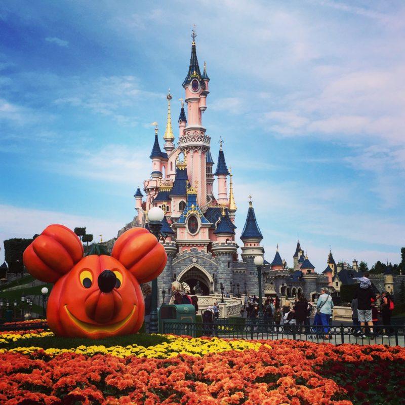 Disneyland Paris Sleeping Beauty Castle tijdens Halloween
