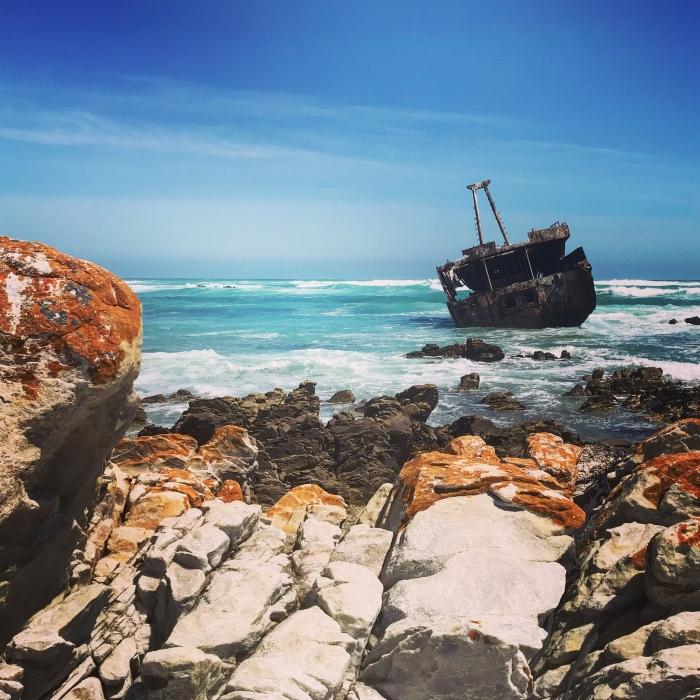 Scheepswrak bij Cape Agulhas, zuidelijke puntje Zuid-Afrika