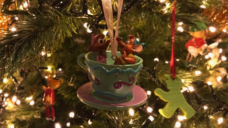 A trip down memory lane: de kerstboom optuigen!