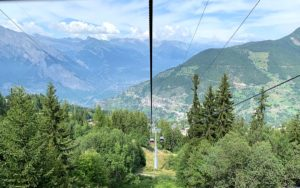 Uitzicht vanuit de kabelbaan bij Verbier van Savoleyres naar La Tzoumaz