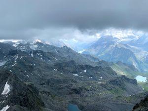 Uitzicht op de Zwitserse Alpen vanaf Mont Fort bij Verbier in Les Quatres Vallees in Zwitserland in de zomer