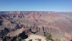 uitzicht op de Grand Canyon vanaf een van de uitkijkpunten aan Hermit Road